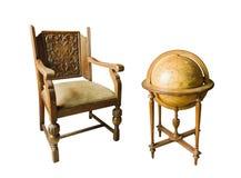 Oude houten stoel en Oude houten bol Stock Afbeelding