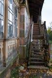 Oude houten trap Royalty-vrije Stock Afbeeldingen