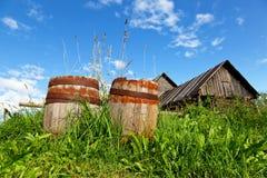 Oude houten vaten Stock Afbeelding