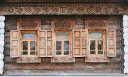 Oude houten vensters Royalty-vrije Stock Afbeeldingen