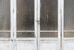 Oude houten vensters royalty-vrije stock afbeelding