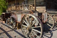 Oude houten wagen in de spookstad van Calico, Californië, de V.S. stock fotografie