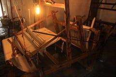 Oude Houten Wevende Machine royalty-vrije stock afbeelding