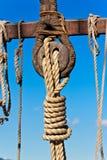 Oude houten zeilboot deadeye Royalty-vrije Stock Afbeeldingen