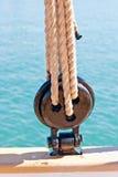 Oude houten zeilboot deadeye Royalty-vrije Stock Fotografie