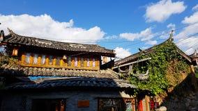 Oude huizen in de oude stad van Lijiang, Yunnan, China stock foto