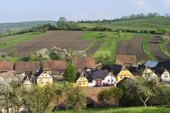 Oude huizen in een dorp in Transsylvanië royalty-vrije stock afbeelding