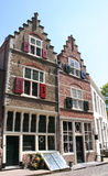Oude huizen en straat in Veere Stock Fotografie