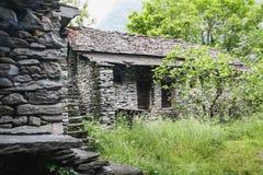 Oude huizen op een deel van de maggiavallei van Zwitserland royalty-vrije stock foto