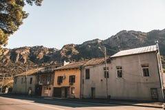 Oude Huizen op een rij royalty-vrije stock afbeeldingen