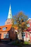 Oude huizen in Travemunde-stad, Duitsland Stock Afbeelding