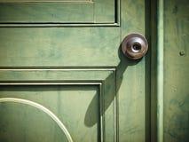 Oude ijzerdeurknop royalty-vrije stock afbeelding