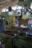 Oude industriële machine op fabriek Stock Afbeeldingen