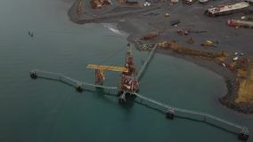 Oude industriële plaats en scheepswerf in Alaska