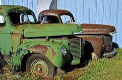 Oude Internationale bestelwagens royalty-vrije stock afbeeldingen