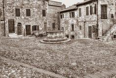 Oude Italiaanse stad Castiglione D Orcia, Toscanië, Italië Royalty-vrije Stock Fotografie