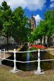 Oude janeiro (John idoso) na louça de Delft, Holanda Imagem de Stock Royalty Free
