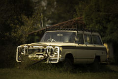 Oude 4x4 Jeep royalty-vrije stock afbeeldingen