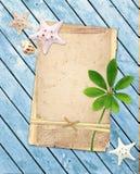 Oude kaarten op houten planken Stock Foto