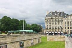 Oude kanonnen dichtbij Les Invalides Royalty-vrije Stock Afbeeldingen