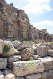 Oude Kant Muur en ruïnes oriëntatiepunt Turkije stock afbeeldingen
