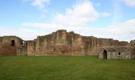 Oude kasteelruïnes Royalty-vrije Stock Afbeeldingen