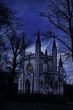 Oude kerk bij nacht Stock Afbeeldingen