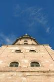 Oude kerk en hemel Royalty-vrije Stock Fotografie