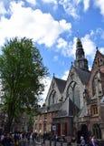 Oude Kerk na Oudekerksplein w Amsterdam, Holandia, holandie obrazy stock