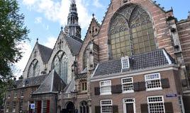 Oude Kerk op Oudekerksplein in Amsterdam, Holland, Nederland royalty-vrije stock afbeeldingen