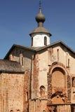 Oude kerk Paraskeva Friday in Veliky Novgorod, Rusland stock afbeelding