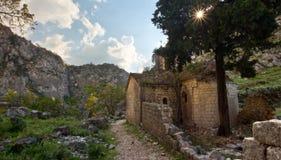 Oude kerkruïne in Montenegro Stock Afbeelding