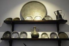 Oude keuken en werktuigen royalty-vrije stock afbeeldingen