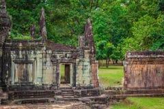 Oude Khmer architectuur Verbazende mening van Bayon-tempel bij zonnen Royalty-vrije Stock Afbeelding
