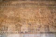 Oude Khmer bas-hulp bij de tempel van Angkor Wat, Kambodja Royalty-vrije Stock Foto's
