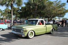 Oude klassieke Amerikaanse vrachtwagen stock afbeeldingen