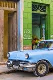 Oude Klassieke Auto in Cuba Stock Foto