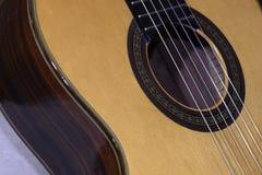 Oude klassieke gitaar Stock Afbeeldingen