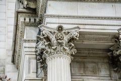 Oude klassieke kolommen bij de historische bouw in Washington gelijkstroom royalty-vrije stock foto