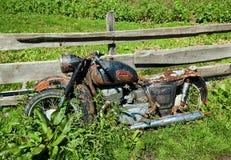 Oude klassieke motorfiets Stock Afbeeldingen