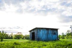 Oude kleine hut Stock Foto's