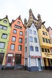 Oude kleurrijke huizen in de stad Keulen in Duitsland Stock Fotografie