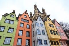 Oude kleurrijke huizen in de stad Keulen in Duitsland Stock Foto