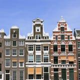Oude kleurrijke middeleeuwse gebouwen stock afbeelding