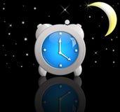 Oude klok in de avond Royalty-vrije Stock Foto's