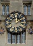 Oude klok met gouden numbersandhanden Royalty-vrije Stock Fotografie