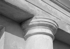 Oude kolomclose-up/zwart-witte foto Stock Afbeelding