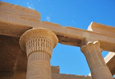 Oude kolommen in Egyptische tempel royalty-vrije stock foto's
