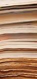 Oude kranten en tijdschriften stock foto's