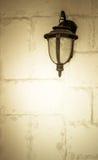 Oude lamp op de muur Royalty-vrije Stock Afbeelding